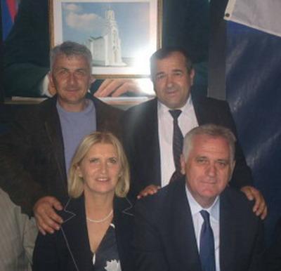 Milenko Rudinac i Rade Ružić sa predsednikom Srbije Tomislavom Nikolićem i njegovom suprugom Dragicom